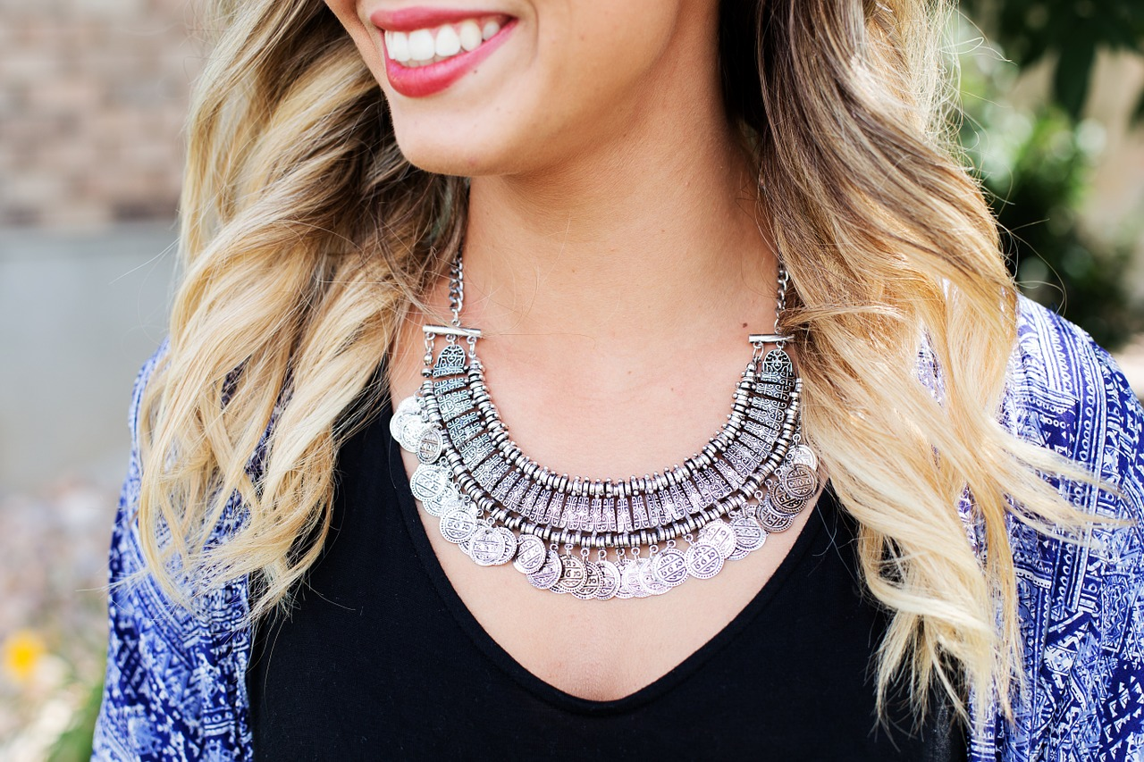 necklace-518268_1280