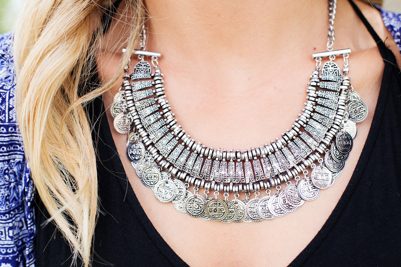 necklace-518275_1280